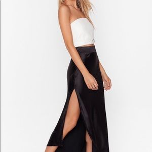 Sleek cut midi skirt
